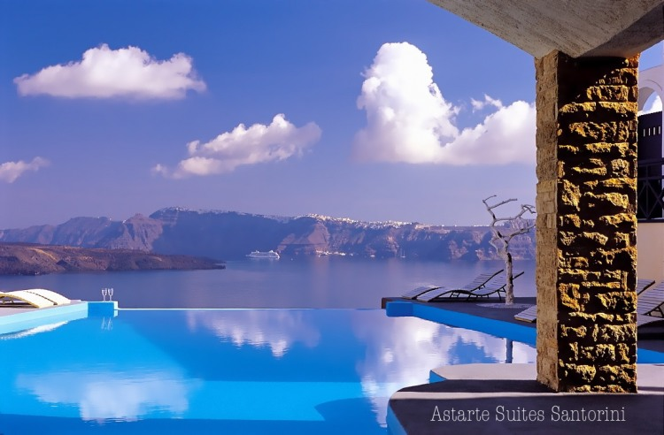 Astarte Suites Hotel in Santorini, Greece   Astarte Suites Hotel Infinity pool Santorini Greece1
